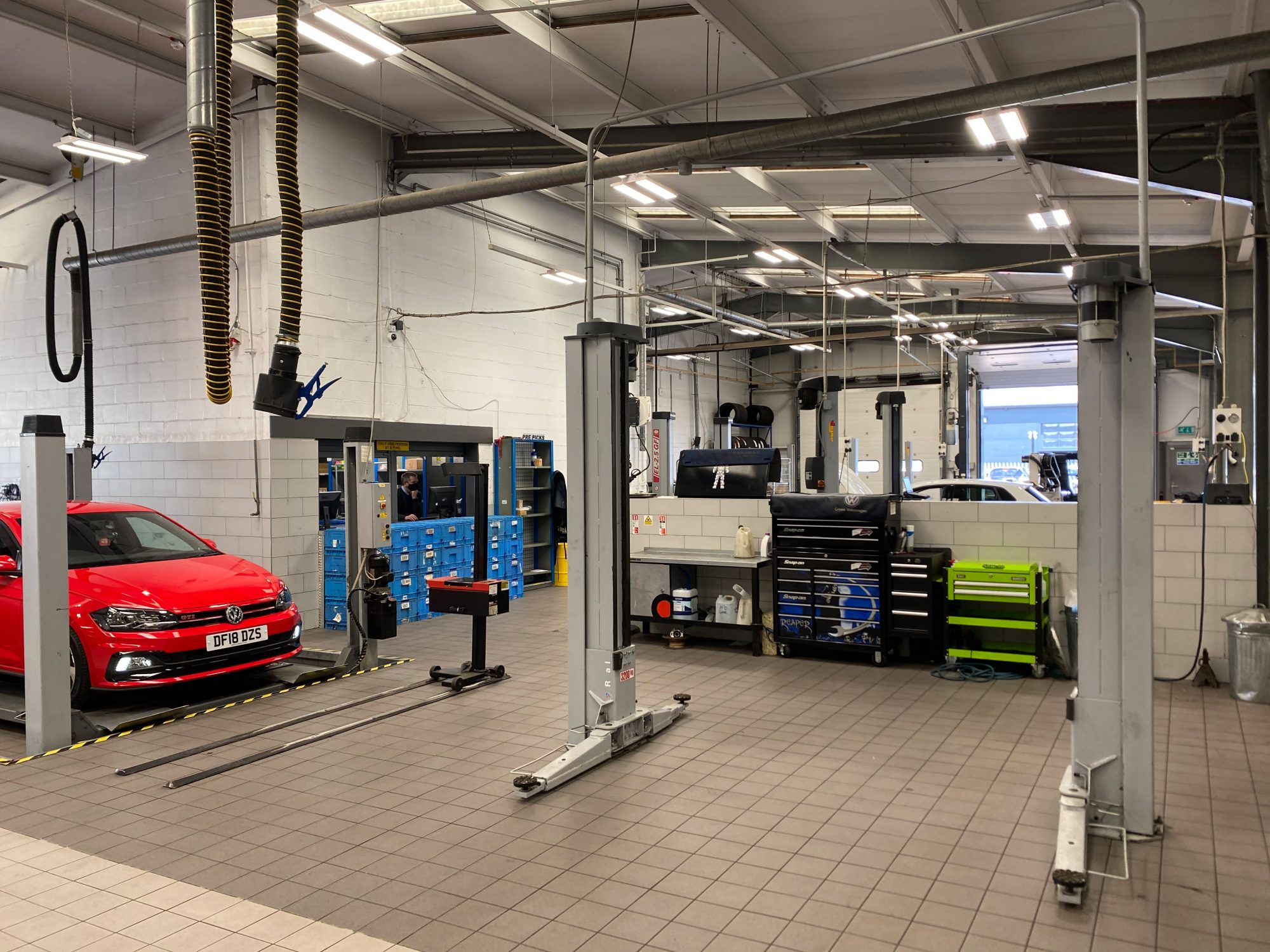 Vehicle Workshop Lighting - Linear High Bay